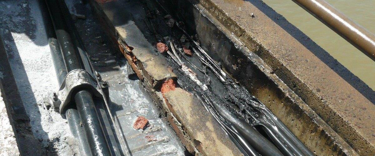 Avería de la LAT de Transnea que cruza el Puente Gral. Manuel Belgrano - Año 2010